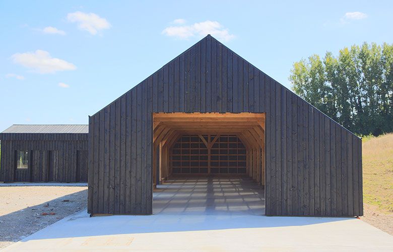 caring-wood-barn-004